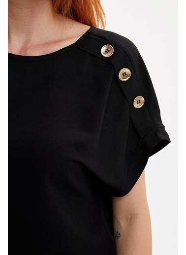 DeFacto Omzu Düğmeli Kısa Kollu Bluz Siyah
